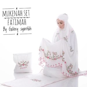 Mukena Fatimah by Gallery Syarifah Mukenah Bordir Eksklusif Bahan Ceruti Barbie